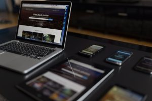 mobile responsive web design in laptop tablet and smartphone