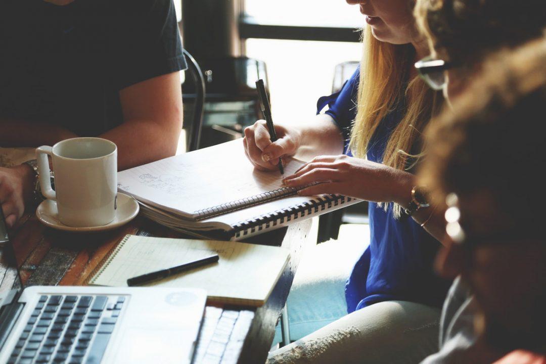 people with digital arts freelance jobs