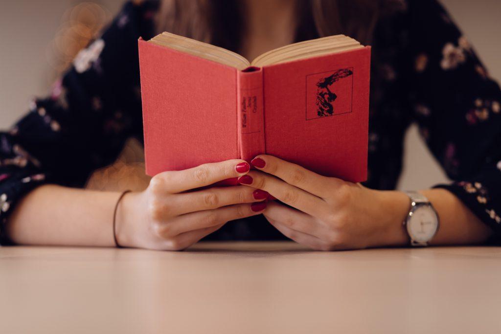 Interesting Books for Senior High School: SHS Students Must-Read Books